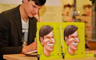 Grāmatas Karikatūras² atvēršana